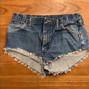 High waisted Wrangler Jean Shorts, Size 32 x 333